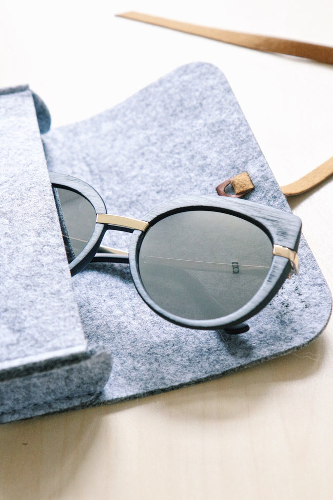 Wooden-Look Cat Eye Sunglasses - Grey