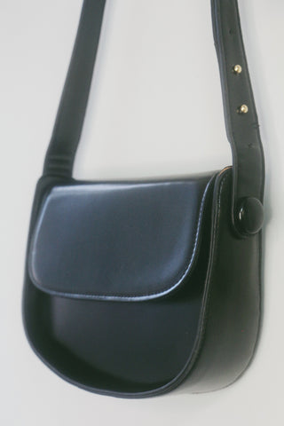 Classic Box Bag Shoulder Bag - Black