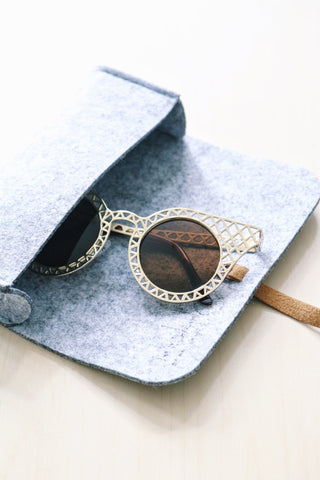 Quay Cut-Out Sunglasses - Gold
