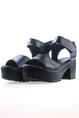 Leather Chunky Heeled Sandals - Black