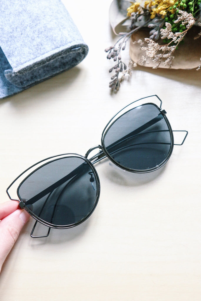 Metal Cat Eye Sunglasses with Cut-Out Detail - Black