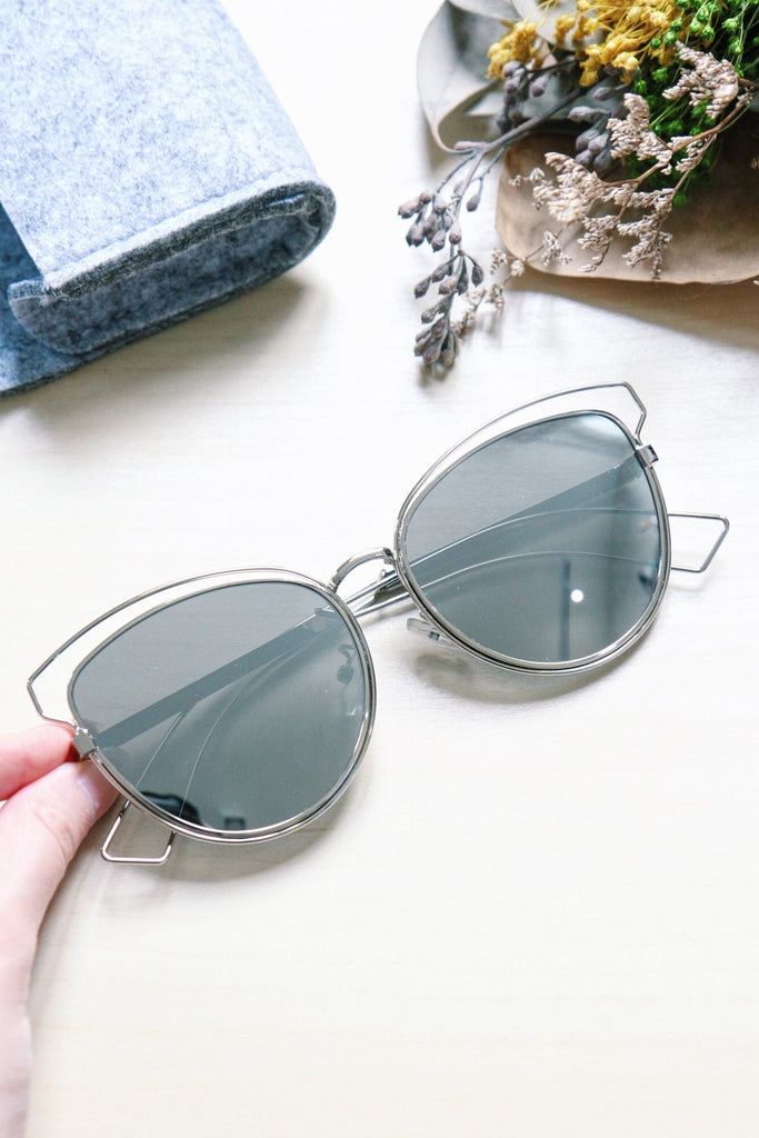 Metal Cat Eye Sunglasses with Cut-Out Detail - Silver