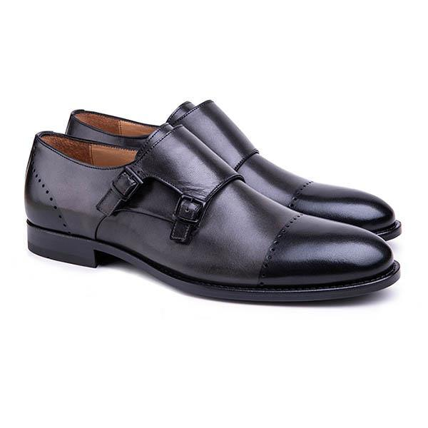 A double monk strap design.  Hand painted leather in dual color combination with slight perforation present a unique cap toe-like style. The special vegetal tanned insole provides high performance sweat absorbency