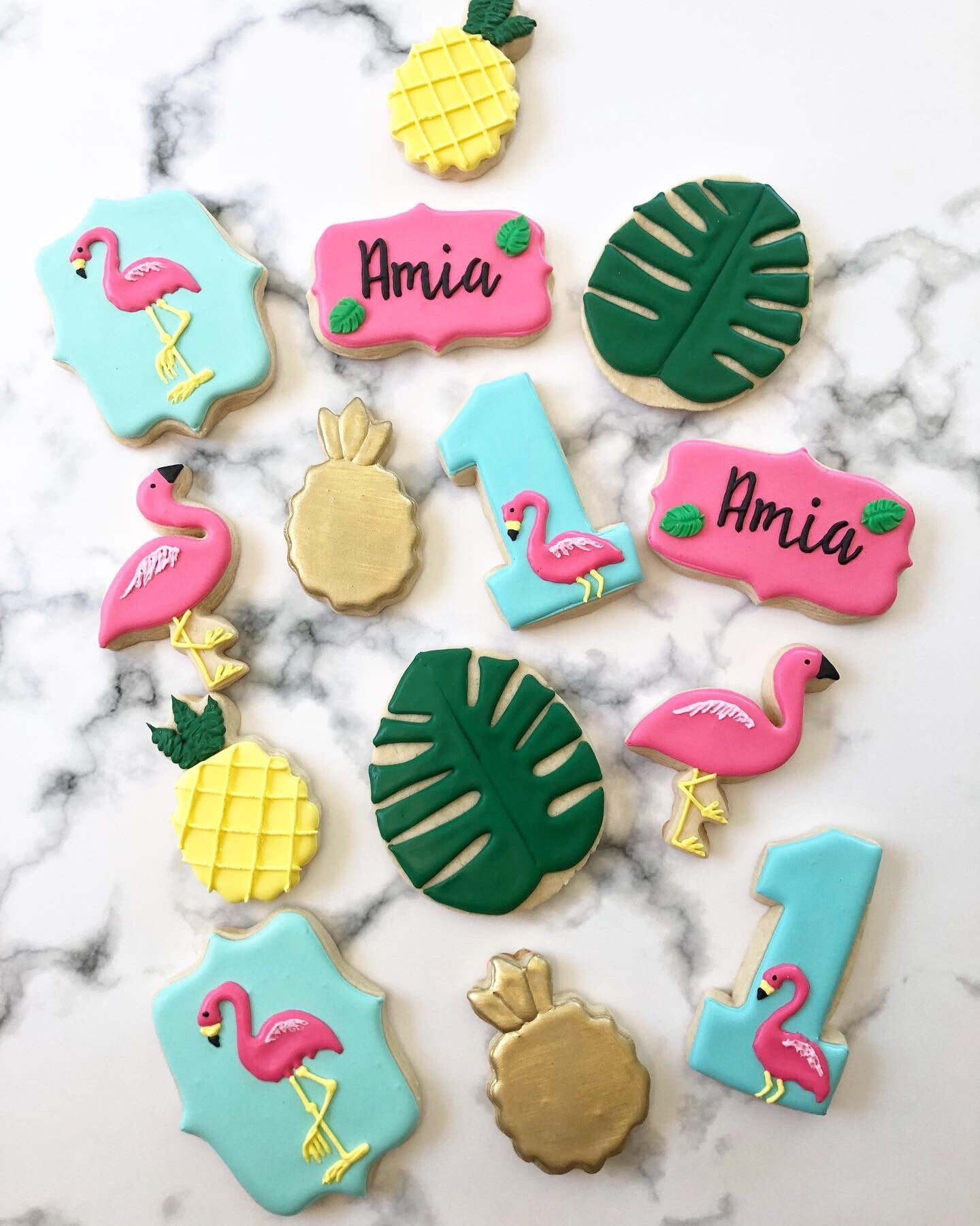 1st Birthday Flamingo and pineapple sugar cookies - Sugar Trip