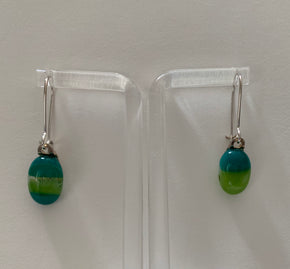 Changing light drop earrings