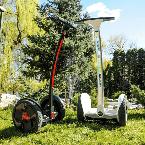 Image of ninebot by segway e+ wit buiten