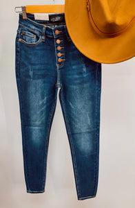 JUDY BLUE non distressed jean