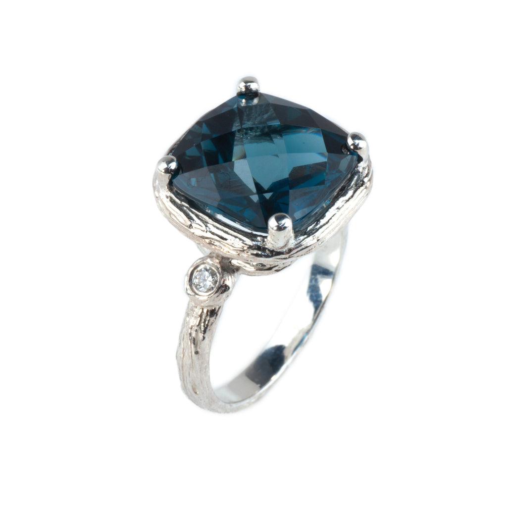 Riverbend Collection Sterling Silver London Blue Topaz Ring