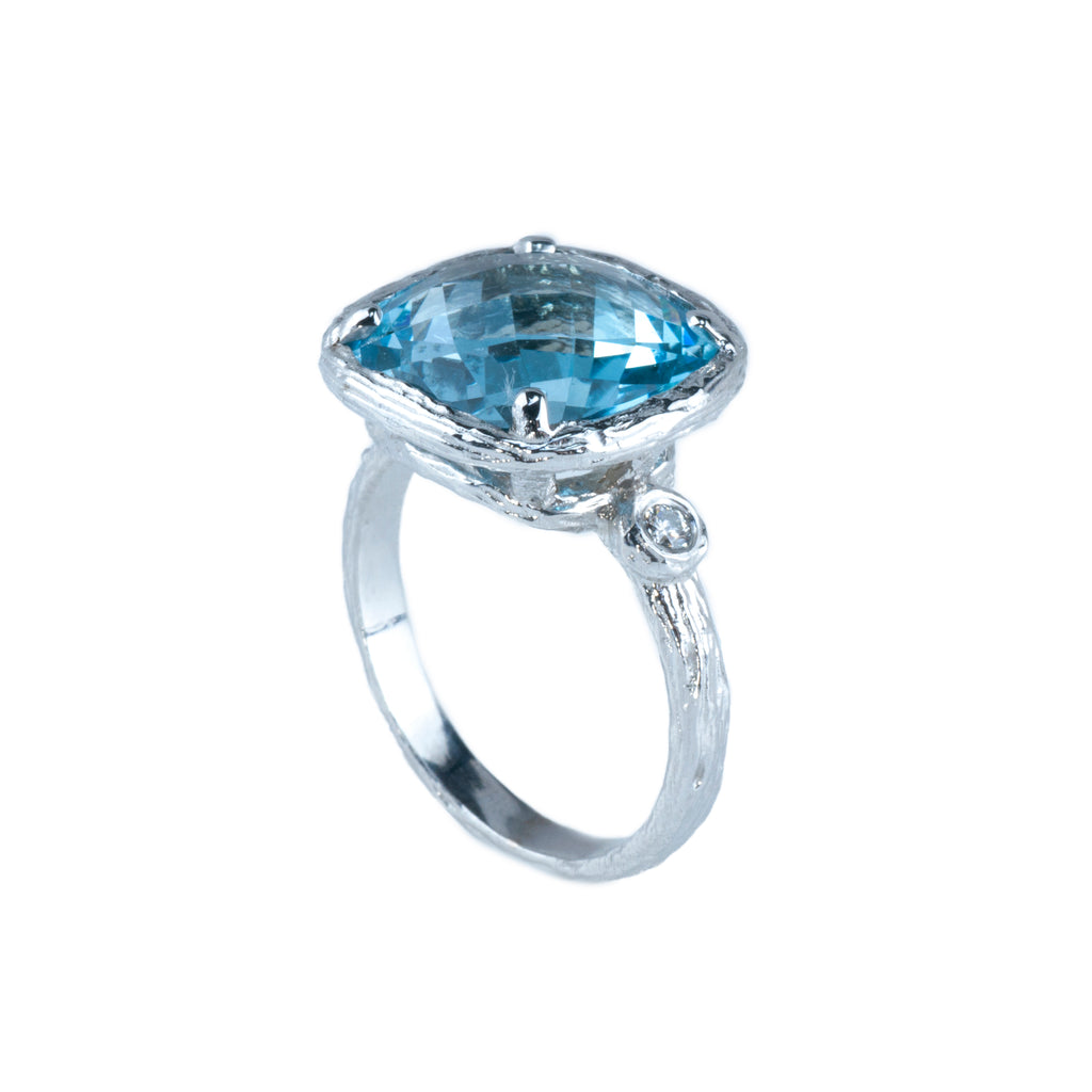 Riverbend Collection White Gold Blue Topaz Ring