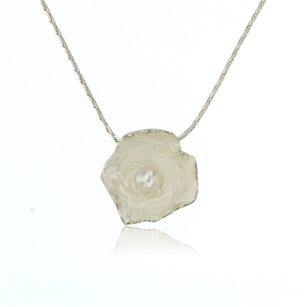 Mysterium Collection Sterling Petal & Pearl Necklace (Med)
