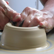 Load image into Gallery viewer, November 1-time Pottery Wheelthrowing & Handbuilding Class