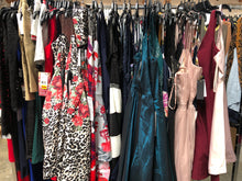 Load image into Gallery viewer, Nordstrom Rack & Macy's | Assorted Juniors Apparel | Dresses | 25 Pieces