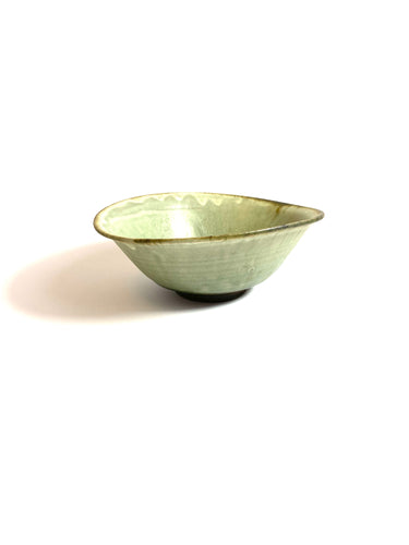 Japanese Ceramic Ash Glazed Oval Bowl - 彩色灰釉楕円鉢