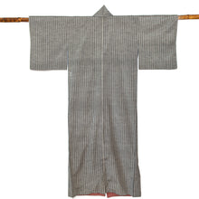 Load image into Gallery viewer, Vintage Japanese Kimono - ヴィンテージ着物