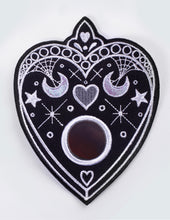 "Load image into Gallery viewer, Embroidery Patch ""Planchette"""