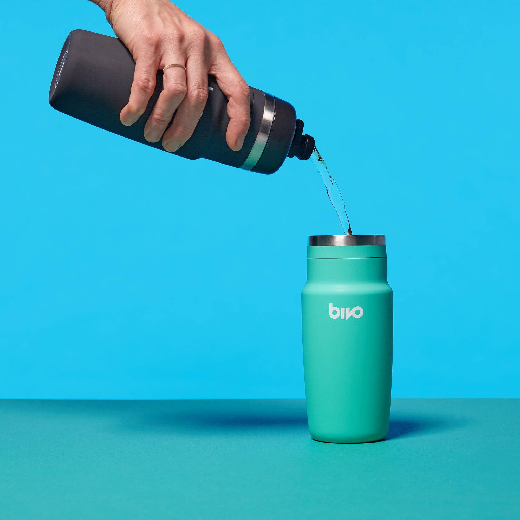 Bivo One stainless steel performance cycling water bottle with a flow-rate fit for cyclists. Built so you never have to experience the taste of plastic or mold again. Built to ride. Clean taste. Dishwasher safe.