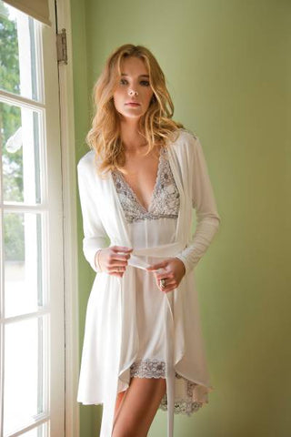 Fleurt Ivory chemise with robe