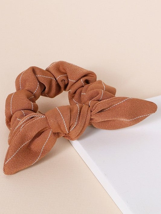 'Raven' Striped Scrunchie (Tan)
