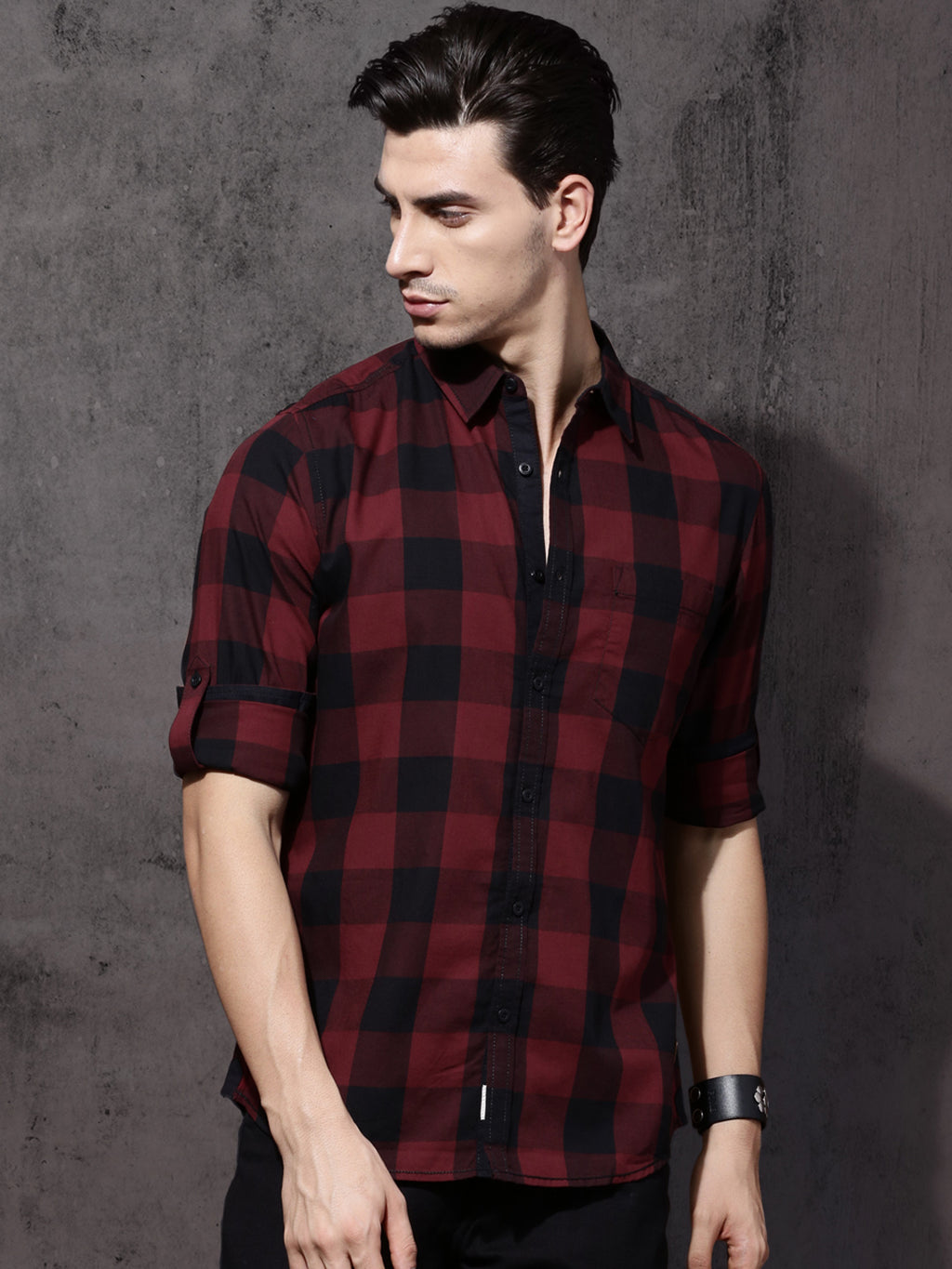 Time Travlr Men Maroon & Black Regular Fit Checked Casual Shirt