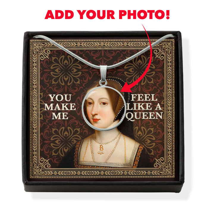 Customized Face Photo Queen Anne Boleyn Customized Photo Circle Pendant with Message Card