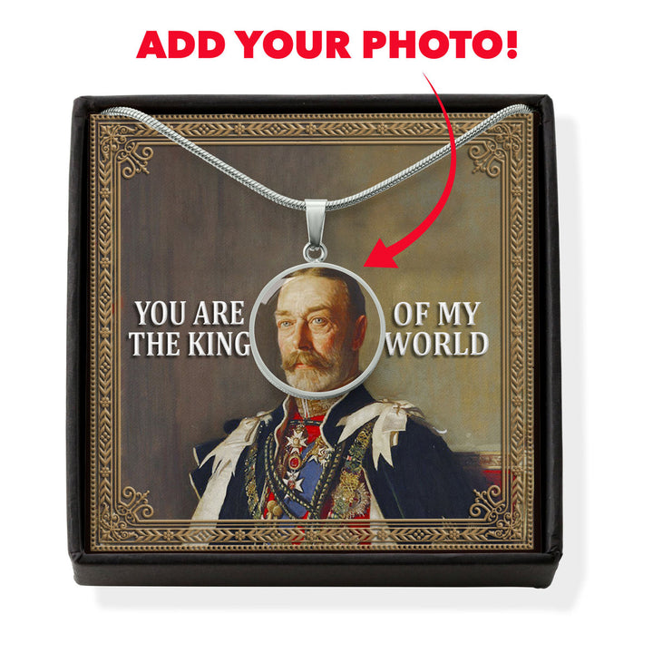 King George V Customized Photo Circle Pendant with POD Message Card