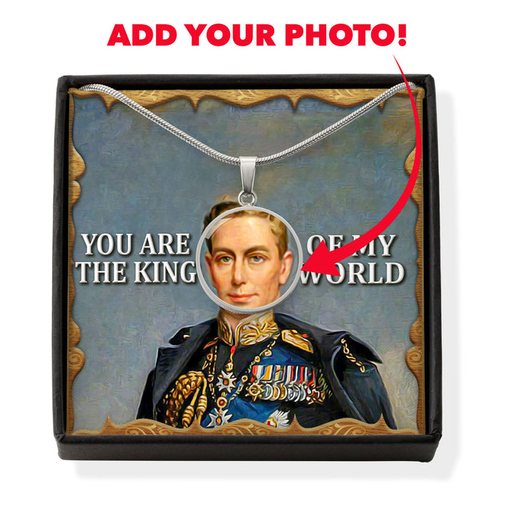 King George V Customized Photo Circle Pendant Jewelry With Message Card