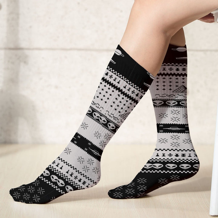 Ancient Alien Pyramid Socks (18X3.5 Icnhes) / Pack 1 Qr1859