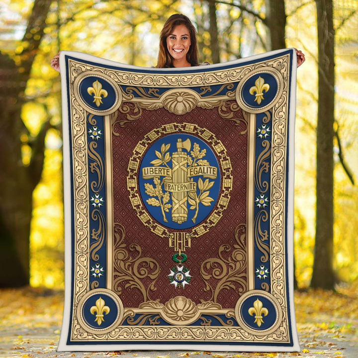 French Coat Of Arms Blanket / S (51 X 59 Inches - 4 5 Feet ) Qm1592