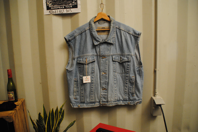 Fresh Vintage, Big Sleeveless Jeans Jacket