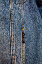 Load image into Gallery viewer, mccarthy-vintage-jeans-logo