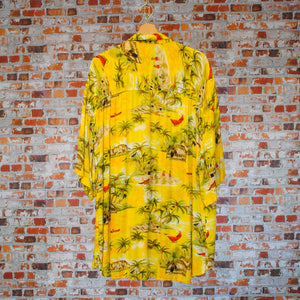 yellow-beach-fresh-vintage-shirt-on-hanger-back
