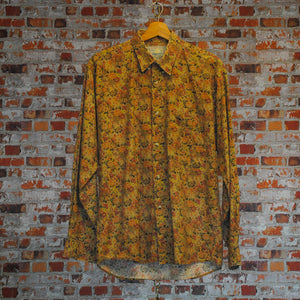 vintage-shirt-in-brown-floral-pattern
