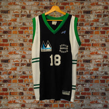 Load image into Gallery viewer, fresh-vintage-black-green-white-basketball-jersey-stella-basket-marine-number-18