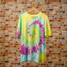 Load image into Gallery viewer, oversized-geel-tie-dye-tshirt