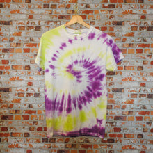 Load image into Gallery viewer, paars-en-geel-tie-dye-tshirt