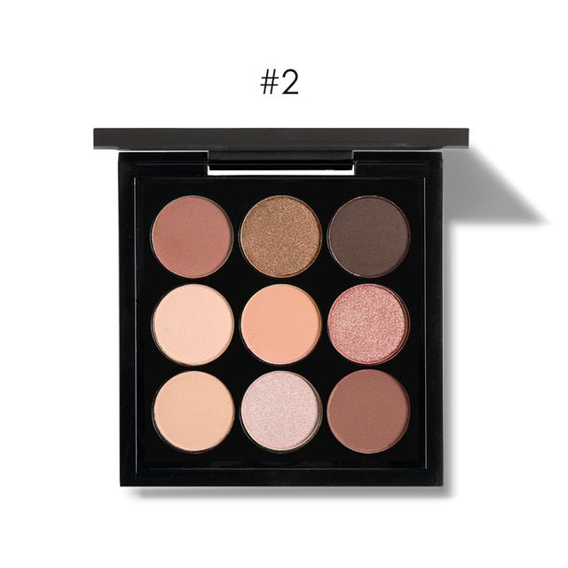 Light tone eyeshadow