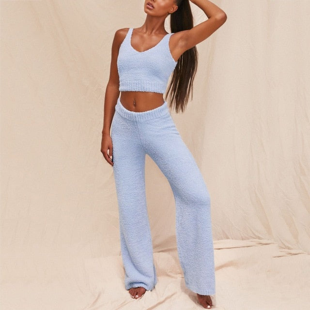 Trendy  Outfits Matching Set Top and High Waist Pants. Comfortable and great for YOGA! Baby Blue Color.
