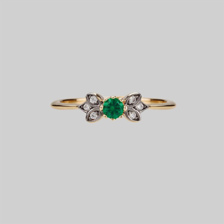 Gold and green quartz ring