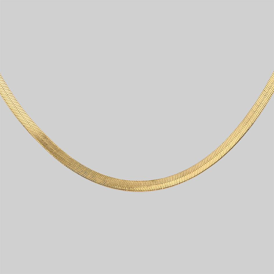 Gold sleek chain necklace