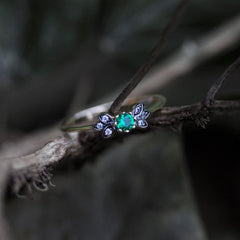 ENCHANTE. Green Quartz Gold Leaf Detailed Ring