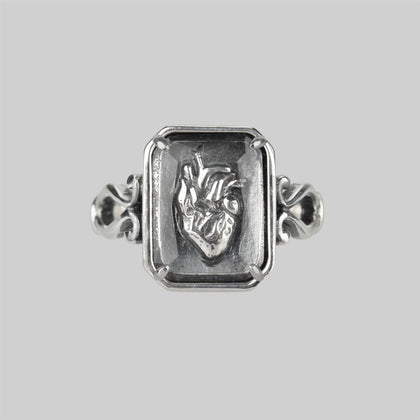 HEART KEEPER. Anatomical Heart Under Glass Ring - Silver