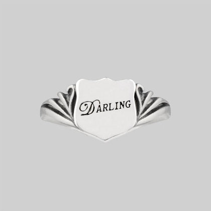 DARLING. Shield Signet Ring - Silver
