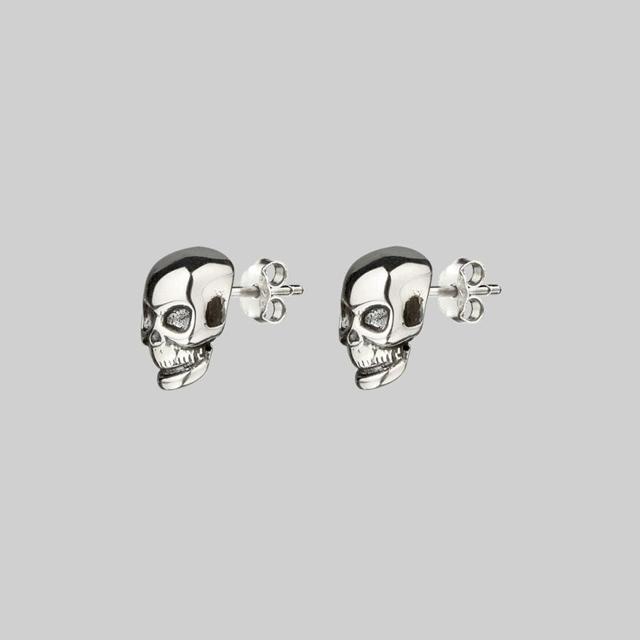 gothic stud earrings skulls