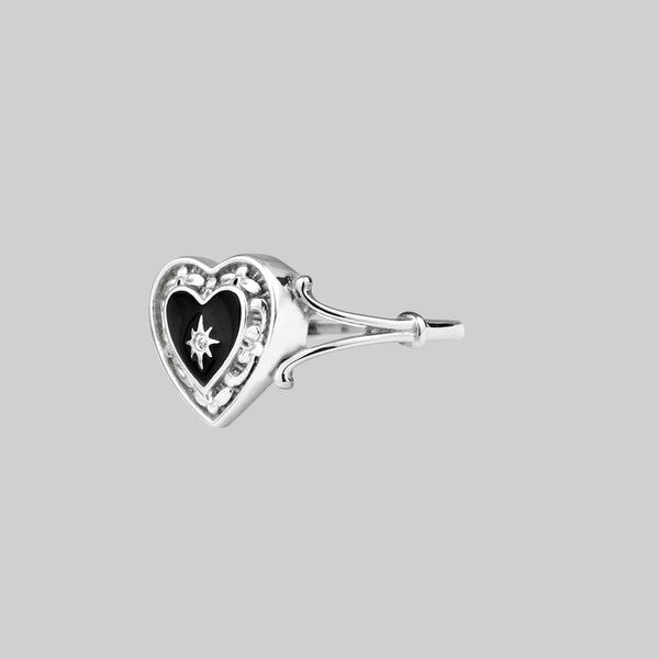 sterling silver detailed heart ring