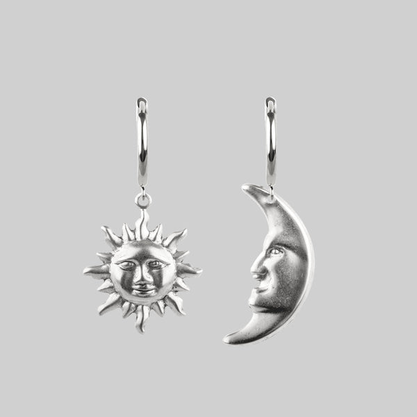 DAY TO NIGHT. Sun & Moon Hoop Earrings - Silver