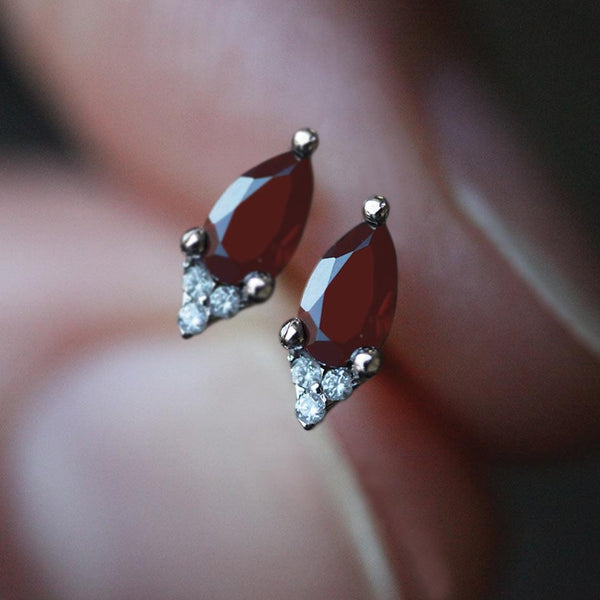 LA BELLE. Garnet & Cubic Zirconia Silver Stud Earrings