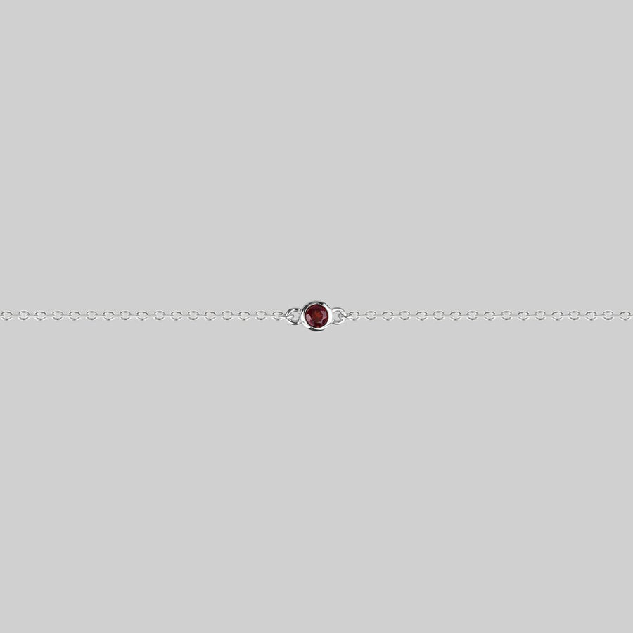 DEVIL'S STARE. Simple Garnet Chain Choker - Silver