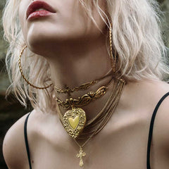 LOVE STRUCK. Ornate Heart Choker - Gold