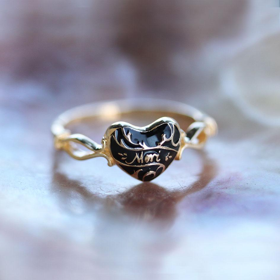 MEMENTO MORI. Black Enamel Heart Gold Ring
