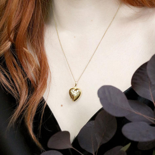 LOTTY. Etched Heart Photo Locket Necklace - Gold